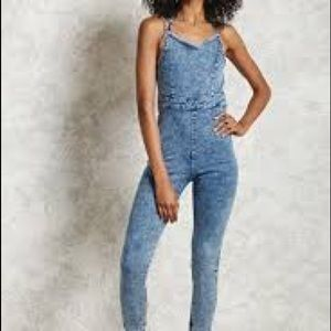 Forever 21 self tie denim jumpsuit acid wash sz M